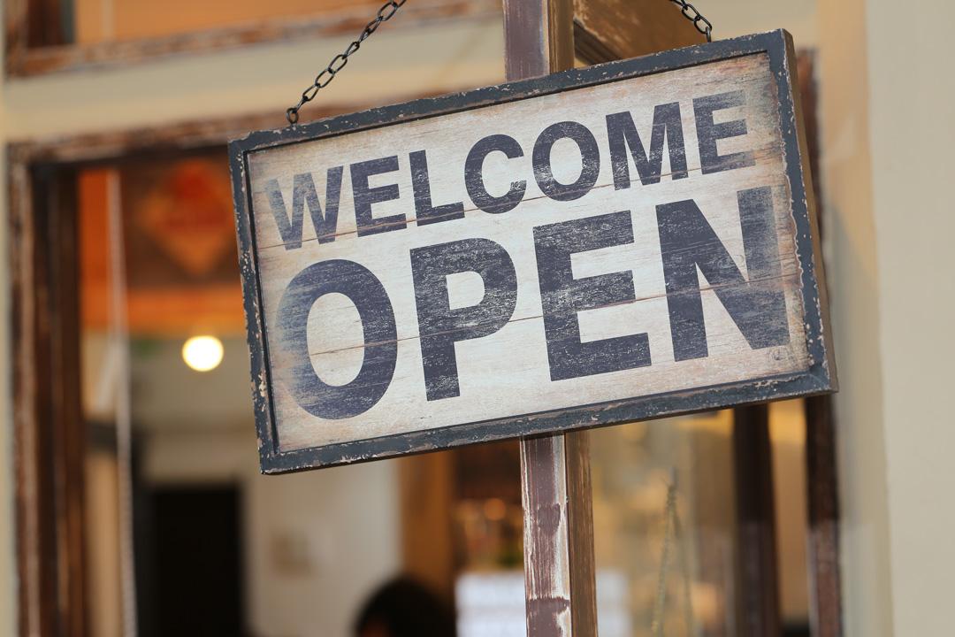 雨の日が続き気分も沈みますが、LENN CAFE(レンカフェ)は通常通りの営業を再開しております。