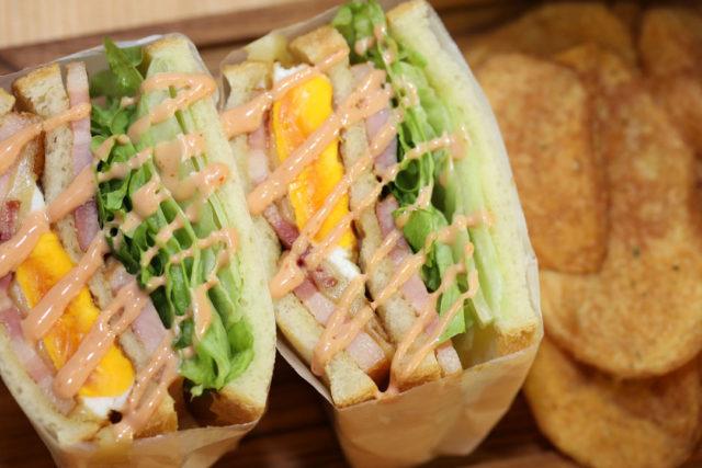 LENN CAFE(レンカフェ)「れんかふぇ・レンかふぇ」ベーコンエッグサンドイッチ_Bacon Egg Sandwich1